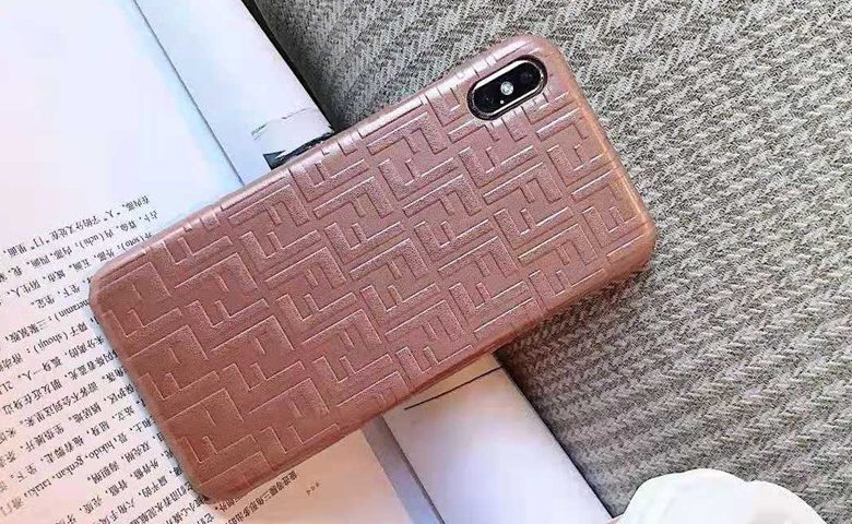 http://www.didifen.com/image/cache/catalog/slideshow/fendi-iphone12-case-2-780x480.jpg